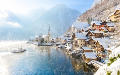 Small-Group Christmas Trip to Hallstatt from Vienna